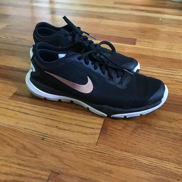 finest selection 16679 a0039 Nike Flex Supreme TR4 in Rose Gold Black. M 5ae4a74485e60576ac012d0b